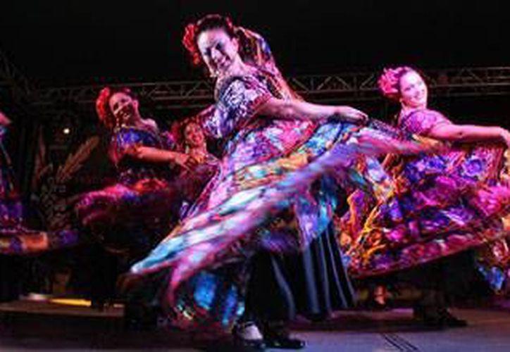 En el Festival de Cultura del Caribe se presentarán más de 80 eventos en los 10 municipios de Quintana Roo. (Foto/Internet)