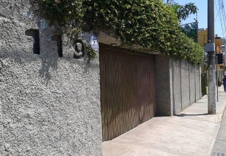 La casa principal de Andrés Granier en Villahermosa, Tabasco, permanece cerrada y nadie atiende a los llamados. (Milenio)