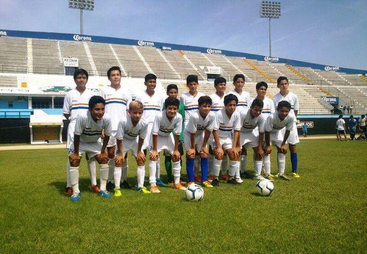 Equipo del CF Mérida que participará en el Nacional de Fuerzas Básica. (Milenio Novedades)
