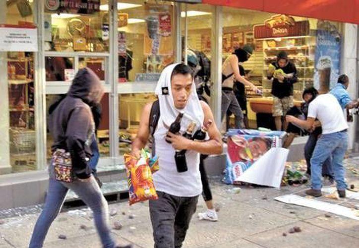 La rapiña se hizo presente una vez más en el Centro Histórico de la capital mexicana. (Milenio)