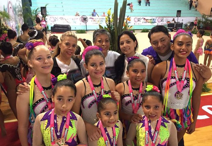 Las jóvenes conquistaron 35 medallas en el Torneo 'Rytmic Interclub'. Foto: Cortesía