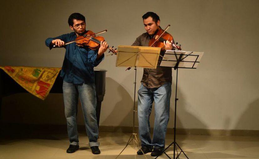 Alumnos del Esay que participaron en el programa de 'Nuevos valores en la música de concierto', en el auditorio José Díaz Bolio del Patronato Pro Historia Penínsular (ProHispen).