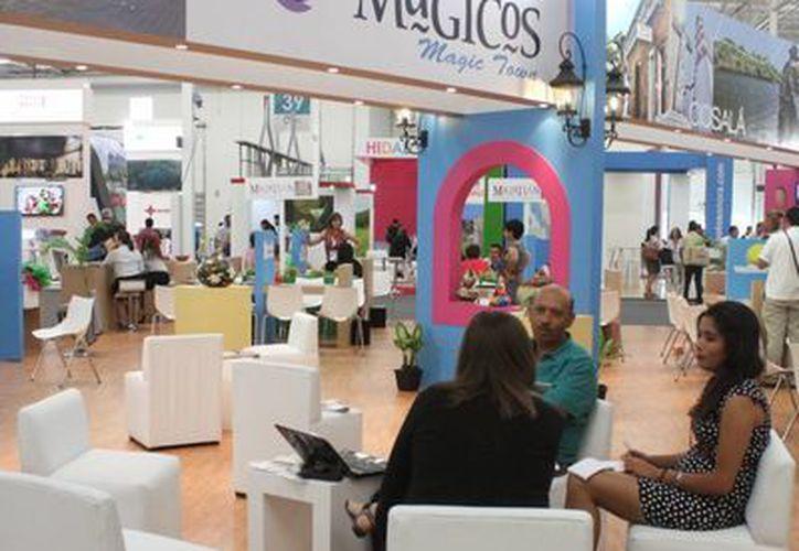 Promocionan los Pueblos Mágicos en el Tianguis Turístico. (Sergio Orozco/SIPSE)