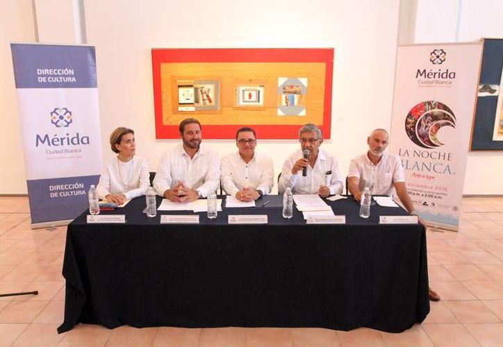 Rueda de prensa para dar a conocer las particularidades de la  la séptima edición de La Noche Blanca, que se llevará a cabo el 10 de diciembre a partir de las 20:00 horas. (Foto cortesía del Ayuntamiento)