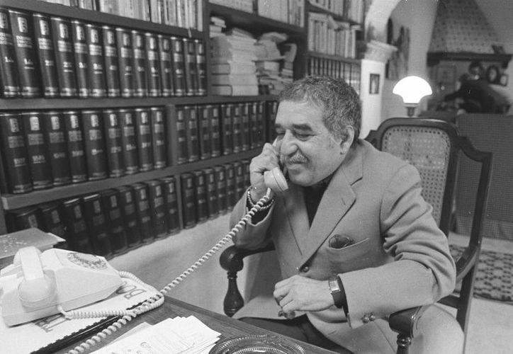 El Centro Harry Ransom, que forma parte de la Universidad de Texas, heredó más de 50 años de textos de Gabriel García Márquez, quien aparece en esta foto sin fecha. (Foto: AP)