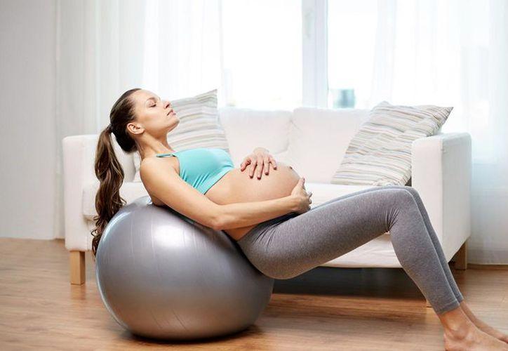 Hacer ejercicio durante el embarazo es muy beneficioso tanto para la madre como para el bebé. (Foto: Corofit)