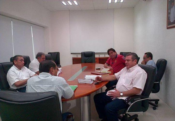 Los profesores de Yucatán acordaron con la SEE que se les entregue a los maestros toda la información referente a la Ley General del Servicio Profesional Docente. (Cortesía)