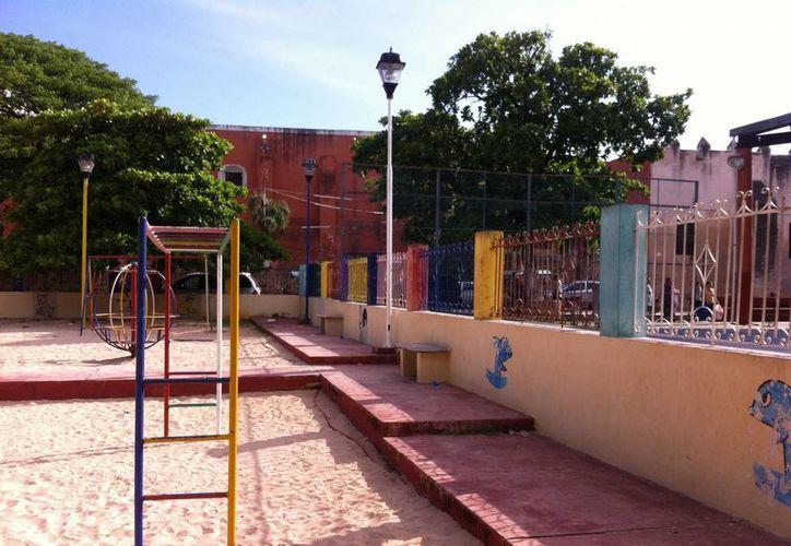 Este es el parque de Muna donde, de acuerdo con testigos, un niño paseaba con su muñeco Tiago, que al parecer está poseído por un alux. (Milenio Novedades)
