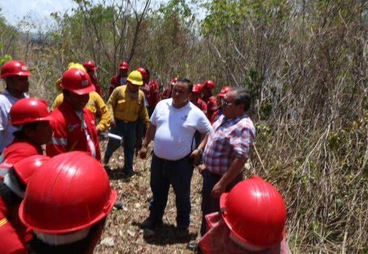 Las autoridades realizaron un recorrido para supervisar los trabajos que se realizan en la temporada de incendios forestales. (Redacción/SIPSE)