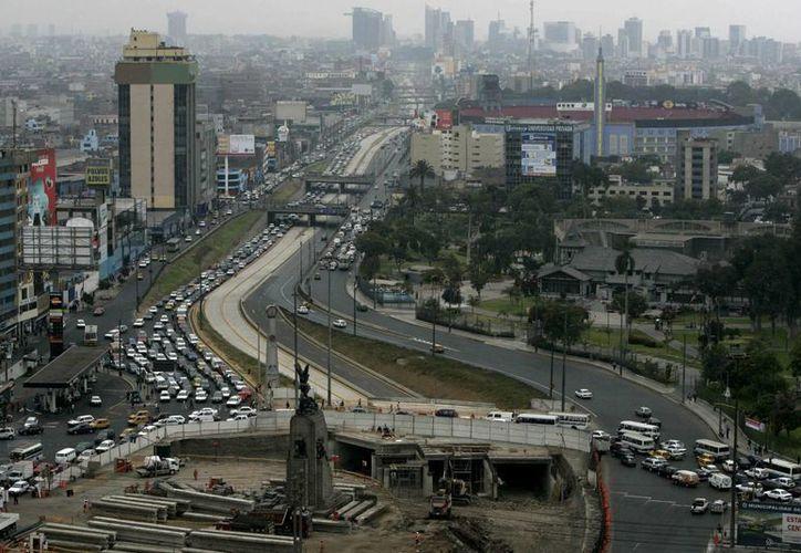 Vista panorámica de la ciudad de Lima, capital peruana. (EFE).