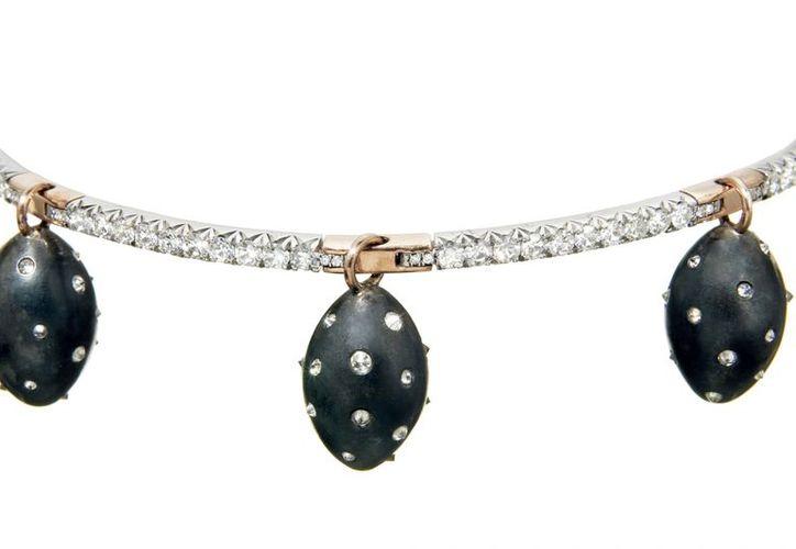 """La colección """"Phoenix"""" está compuesta por anillos, brazaletes, pendientes y collares. (francesschultz.com)"""