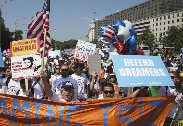 Muchas personas se verán dañadas al tener que salir de EUA, que se ha vuelto más que su hogar. (Foto: Contexto/Internet).