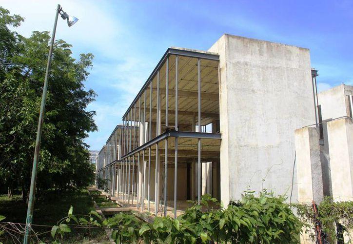 El avance de la obra dejó una deuda de más de 50 millones de pesos. (Foto: Adrián Barreto/SIPSE)