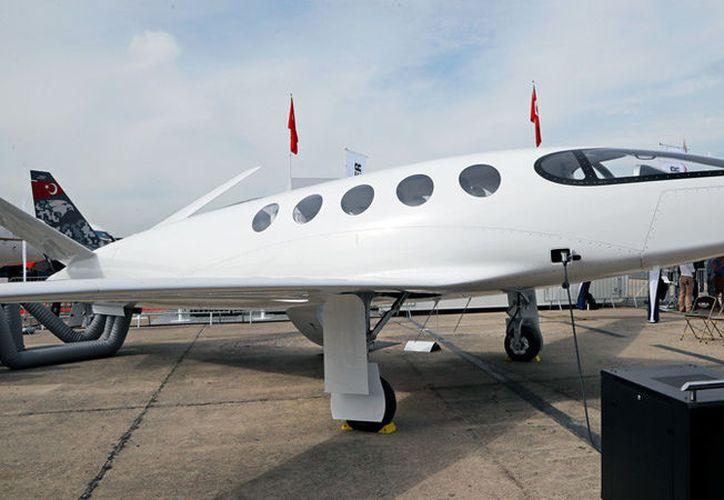 El avión eléctrico Alice, presentado en el Salón Internacional de la Aeronáutica de París, Francia, el 18 de junio de 2019. Foto: AP