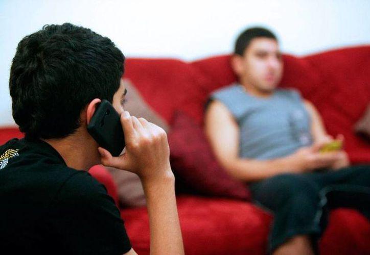 Telcel tienen 70 millones de usuarios y más del 50 por ciento del mercado, por eso fue considerada por el Gobierno como 'agente preponderante', lo que la obliga a apoyar la competencia. (martinoticias.com)
