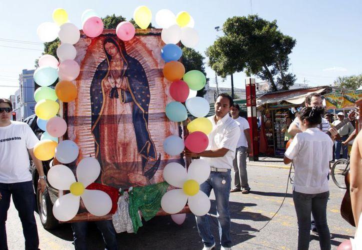 En San Cristóbal se vive desde la madrugada una romería de peregrinos. (Juan Carlos Albornoz/SIPSE)