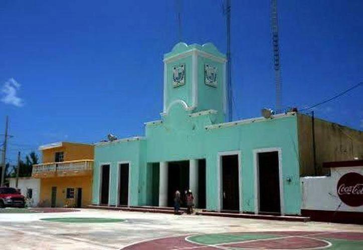 La disputa de terrenos se realiza en inmediaciones del Ayuntamiento de Telchac Puerto, Yucatán. (SIPSE)
