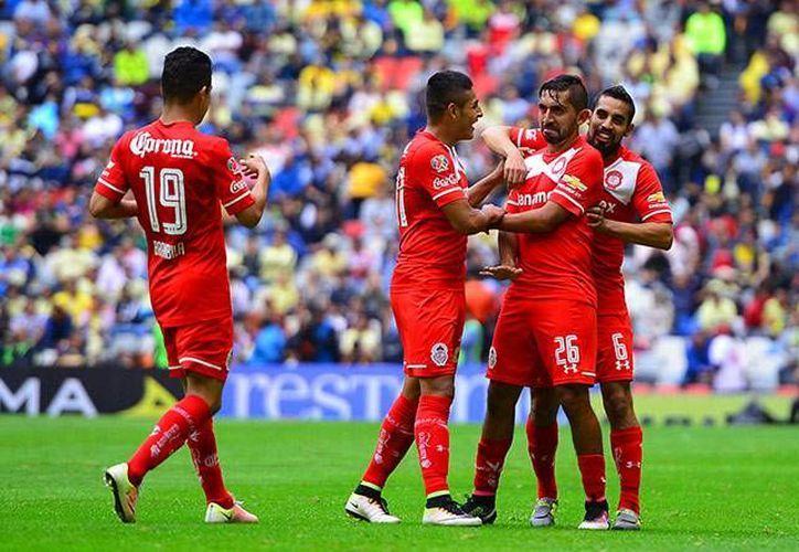 Con este triunfo, el Toluca llegó a 19 puntos mientras América se quedó con 27 unidades en el subliderato general. (Mexsport)