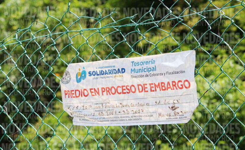 La Tesorería municipal colocó un sello en la malla. (Octavio Martínez/SIPSE)