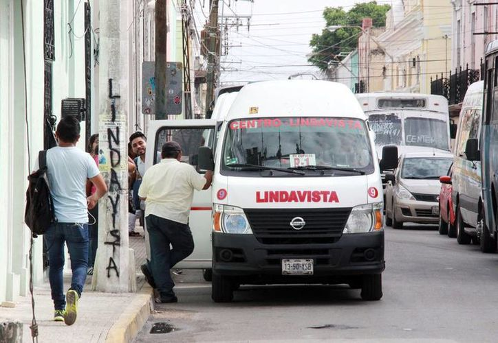 Las rutas Lindavista 1 y 2, Petronila y 49 Petronila ruta 2 continuarán hasta el miércoles 29 en el paradero provisional de la calle 66 x 63 y 65 del Centro (Archivo/SIPSE).