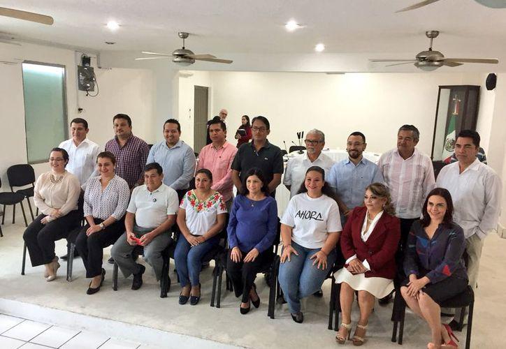 Son 12 los aspirantes a las presidencias municipales en el estado, quienes registran importantes avances en el respaldo ciudadano. (Joel Zamora/SIPSE)