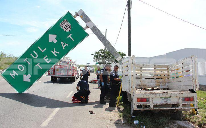 Fuerte accidente se presentó en la carretera Mérida-Motul. (Aldo Pallota/ SIPSE)