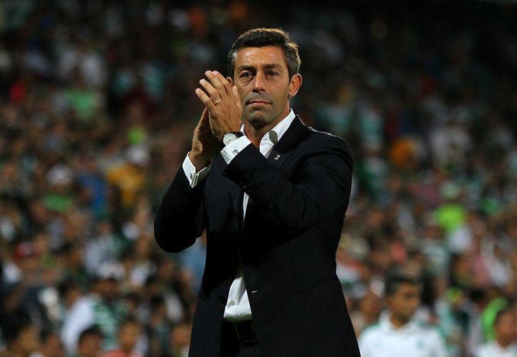 Pedro Caixinha, quien hizo campeón a Santos Laguna, se convirtió en el nuevo entrenador del Rangers del futbol escocés.(Jam media)