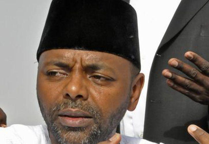 El gobierno de Nigeria retiró los cargos de corrupción contra Mohamed Abacha, hijo del extinto dictador Sani Abacha; además, es requerido por la justicia de EU por lavado de dinero. (AP)