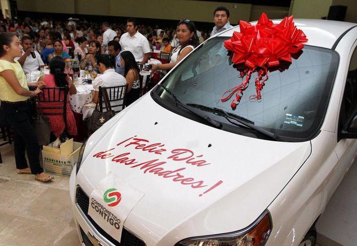 Nelly Polanco Zapata fue la ganadora de este automóvil. (Cortesía/SIPSE)