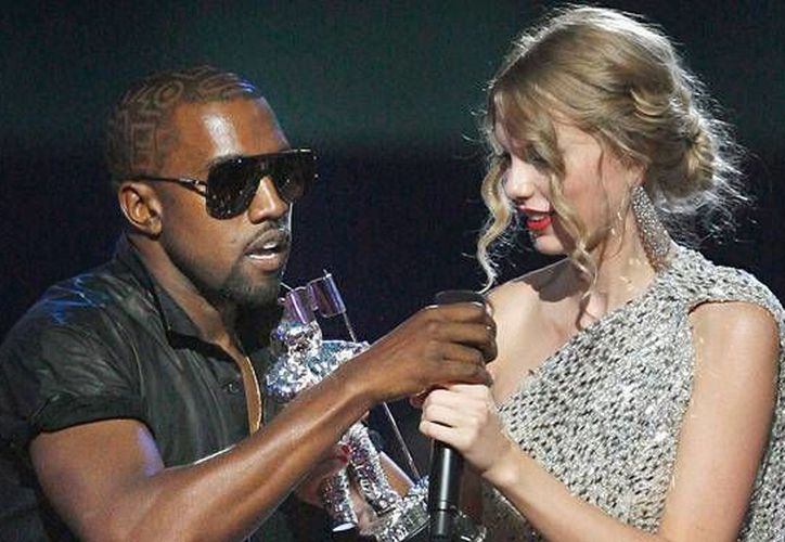Taylor Swift está furiosa con Kanye West por 'exhibirla'