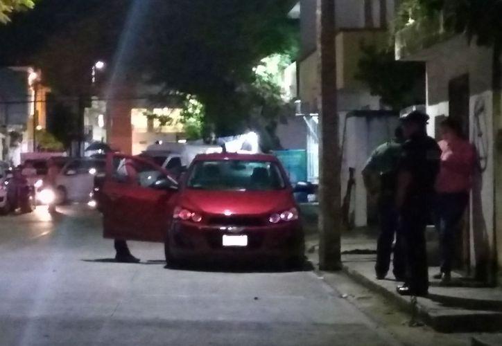 De acuerdo con información preliminar, los responsables son dos sujetos que escaparon a pie sobre la avenida 40 de dicha localidad. (SIPSE)