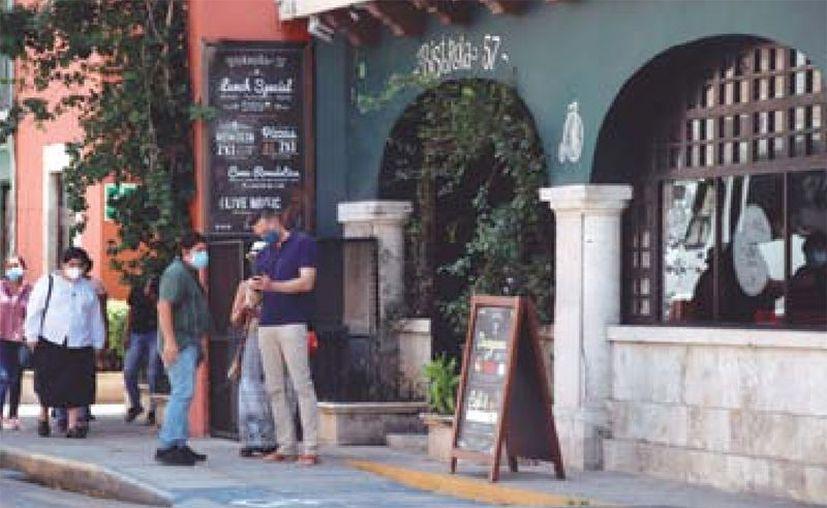 Que se reanude la venta de bebidas alcohólicas beneficia a restaurantes y hoteles. (Daniel Sandoval/Novedades Yucatán)