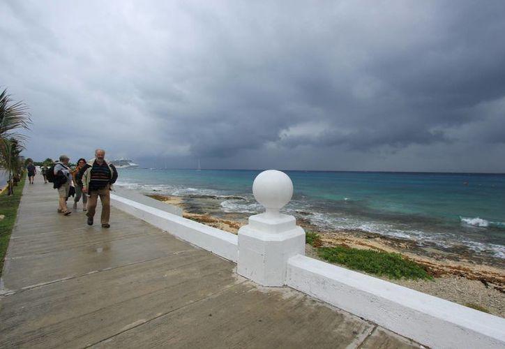 Durante este miércoles se sintieron en Cozumel vientos de hasta 50 kilómetros por hora. (Gustavo Villegas/SIPSE)