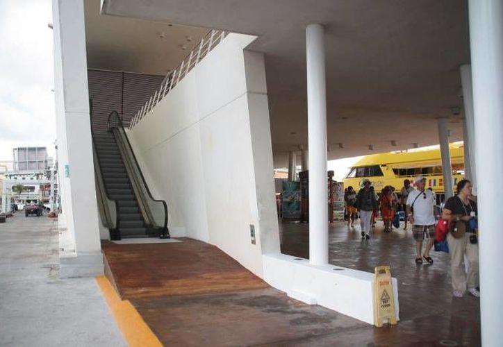 Tan sólo en lo que va del año Cozumel recibió 987 mil 404 cruceristas; en la imagen, aspectos del Muelle de San Miguel. (Redacción/SIPSE)