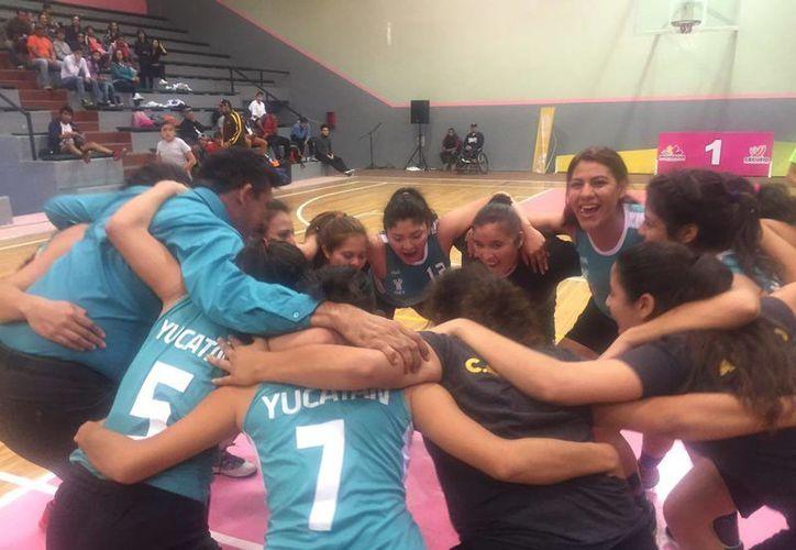 Selección yucateca de basquetbol que terminó como campeona en el Encuentro Nacional Indigenista en Morelia. (SIPSE)