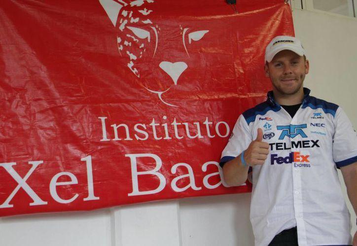 Francisco Name es piloto de la Federación Internacional de Automovilismo (FIA). (Consuelo Javier/SIPSE)