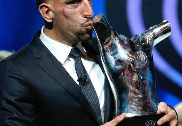 Ribery ganó los tres títulos más importantes con el Bayern en la temporada 2012-2013. (Agencias)