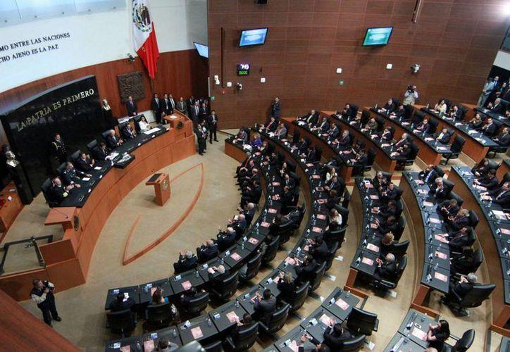 El PRI en el Senado mandó al clóset la iniciativa presidencial para reconocer los matrimonios igualitarios. (Archivo/Agencias)