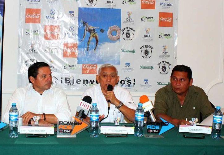 El pasado jueves se hizo la presentación oficial del torneo futbolístico. (Milenio Novedades)