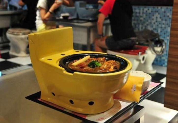 Entre los restaurantes temáticos más extraños del mundo se encuentra el <i>Modern Toilet Restaurant</i> de Hong Kong. Todo el lugar está ambientado como si fuera un baño. (MSN.com)