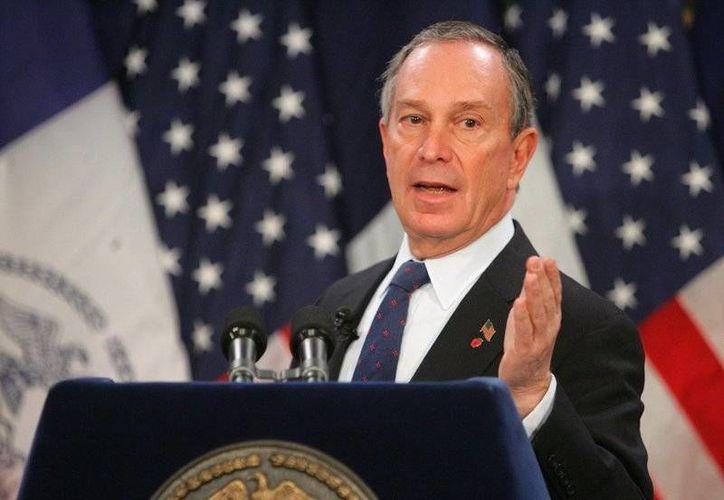 En Nueva York Michael Bloomberg ha impulsado la prohibición de la venta de refrescos azucarados de tamaño grande. (loonwatch.com)