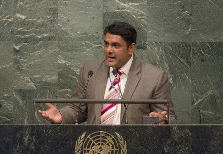 El asesor de la ONU Mujeres, Ravi Karkara, fue despedido tras ser acusado de acosar a hombres. (youthassembly.nyc)