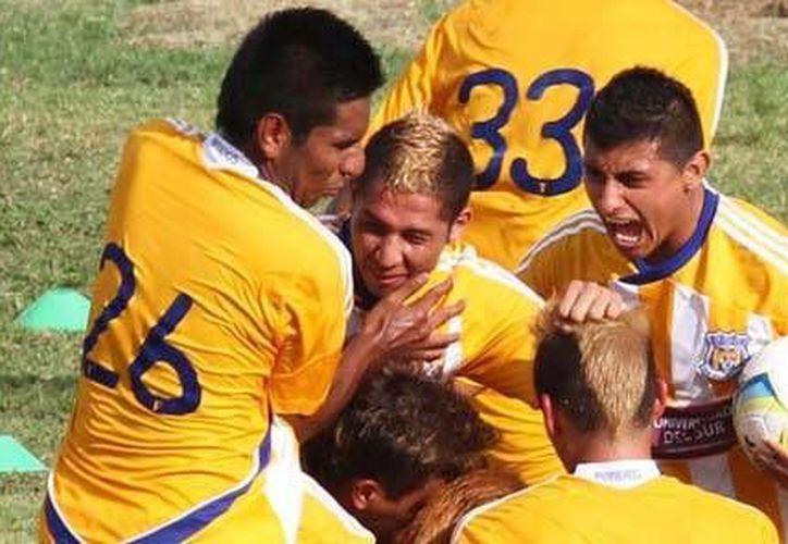 El primer gol regresó la confianza a los cancunenses y puso prácticamente a Pioneros del otro lado. (Redacción/SIPSE)