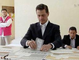 Emite su voto Enrique Peña Nieto