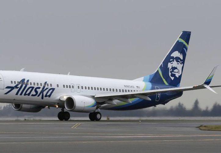 El vuelo 769 de Alaska Airlines continuó su trayectoria a San Diego tras ser desviado a Denver por culpa de un pasajero borracho. (AP)