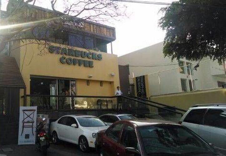 Ninguno de los clientes de la cafetería resultó herido durante el asalto. (Milenio)