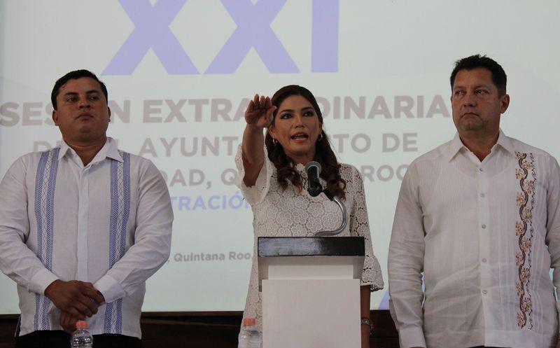 Samaría Angulo tomo protesta como alcaldesa en el municipio de Solidaridad. (Foto: Adrián Barreto/SIPSE)