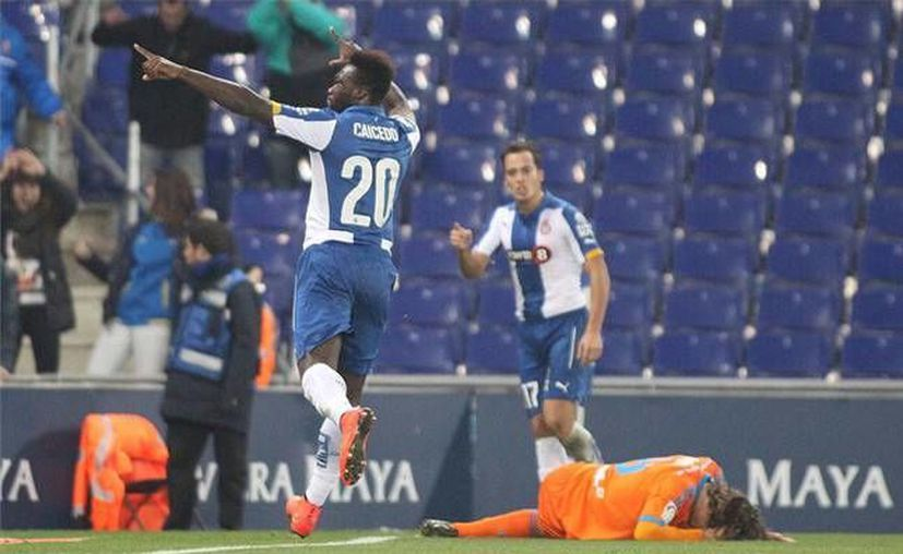 En 11 minutos el suplente Felipe Caicedo remonta a favor de Espanyol, que queda entre los ocho mejores equipos en Copa del Rey. (sport.es)