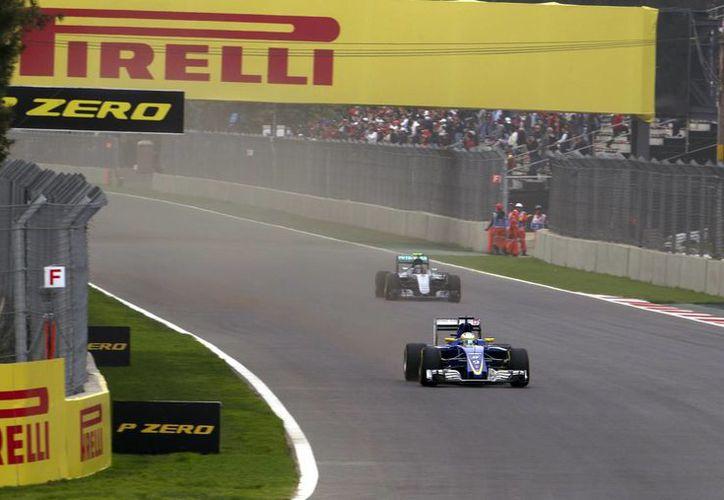 Los pilotos de la Fórmula Uno han realizado la primera prueba libre de cara a la gran carrera que se celebraré el próximo domingo 30 de octubre.(Notimex)
