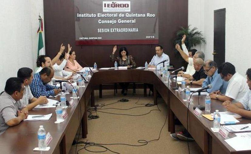 El Consejo General del Ieqroo aprobó topes de campaña para la elección de gobernador, diputados y ayuntamientos. (Ángel Castilla/SIPSE)